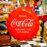 コカコーラ ボトルキャップサイン イメージ