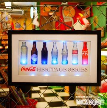 コカコーラ LEDライトアップ ボトルヒストリー イメージ1