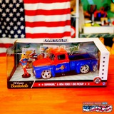 1:24 DC COMICS BOMBSHELLS 1956 FORD F100 & SUPER GIRL ミニカー イメージ