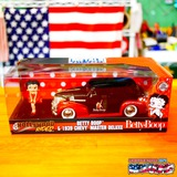 1:24 Hollywood Rides 1939 CHEVY MASTER DELUXE W/BETTY BOOP【 ベティブープミニカー】 イメージ